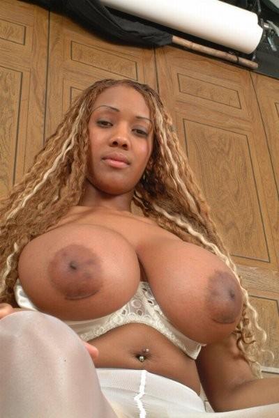 Фото мулатки с большой грудью